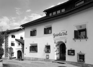 Hotel GuardaVal, Scuol